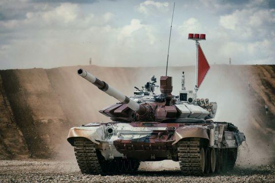 В учебный центр ВВО поступили современные мультимедийные тренажеры для обучения танкистов