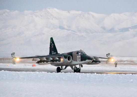 Лётчики российской авиабазы «Кант» в Киргизии осваивают модернизированные штурмовики Су-25СМ