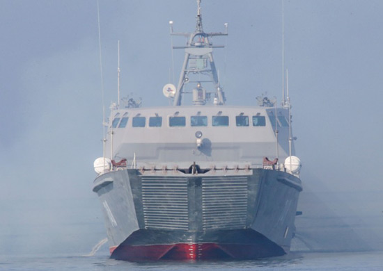 Новый десантный катер «Мичман Лермонтов» приступил к испытаниям по скоростной переброске военной техники морем