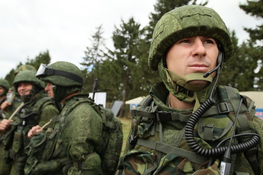 """Миротворцы ЦВО получили комплексы связи """"Азарт"""""""
