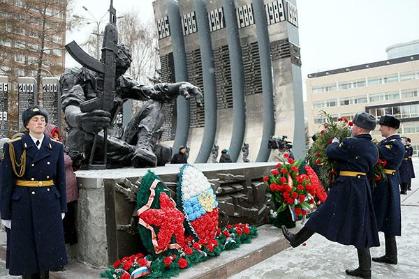 Во всех воинских частях сегодня отпразднуют День Героев Отечества