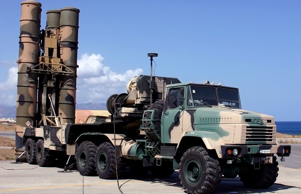 Зенитно-ракетная система среднего радиуса действия С-300ПМУ2 Фаворит