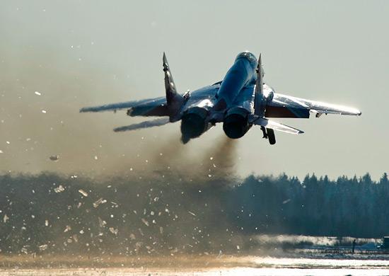 На российскую авиабазу в Армении прибыли молодые пилоты, прошедшие переподготовку