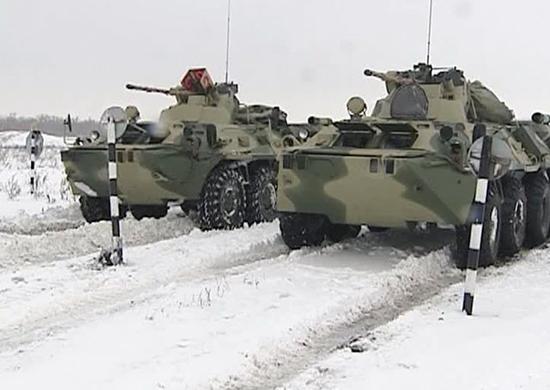 Морские пехотинцы Северного флота приступили к освоению новых бронетранспортеров БТР-82АМ