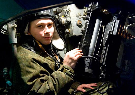Связисты Южного военного округа осваивают современные командно-штабные машины