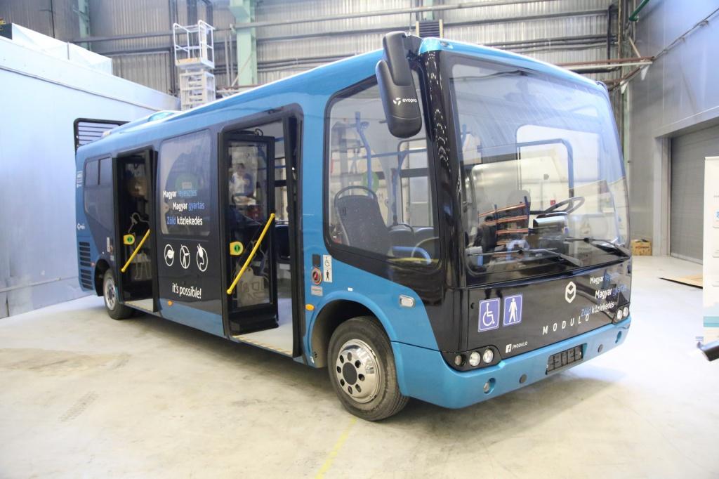 В России запущено производство автобусных корпусов из композитных материалов
