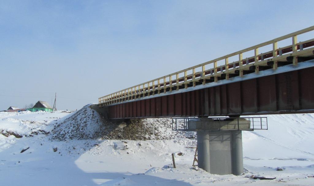 По мосту через реку Чиндат в Красноярском крае открыли рабочее движение