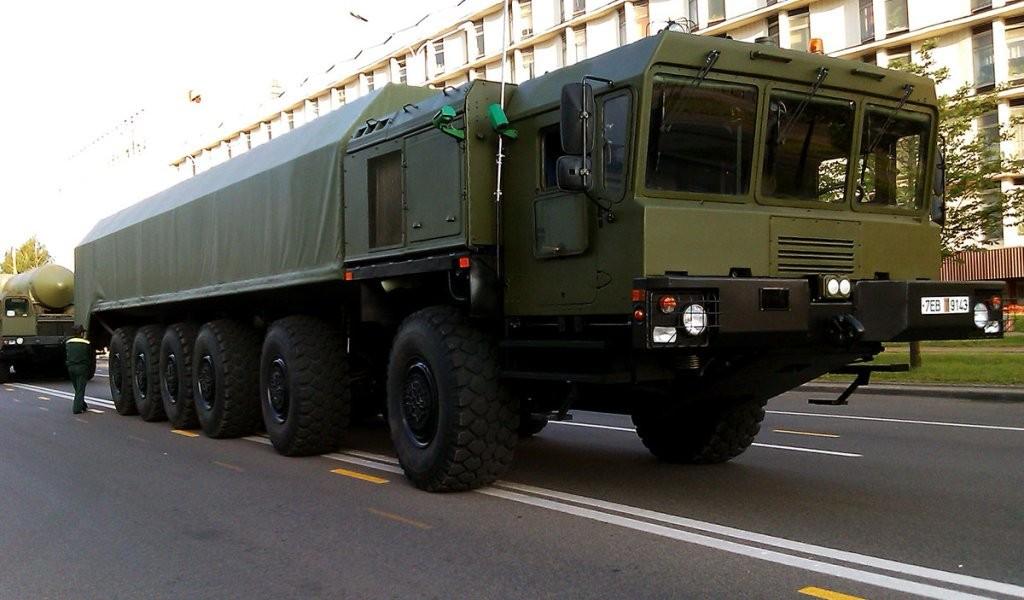 Шасси МЗКТ-79291 перед парадом в Минске