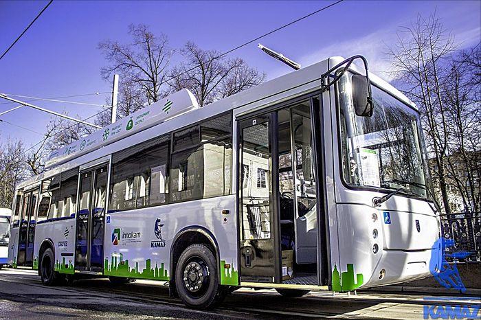 В Москве показали электробус второго поколения
