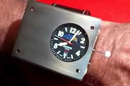 В Новосибирске собраны миниатюрные атомные часы