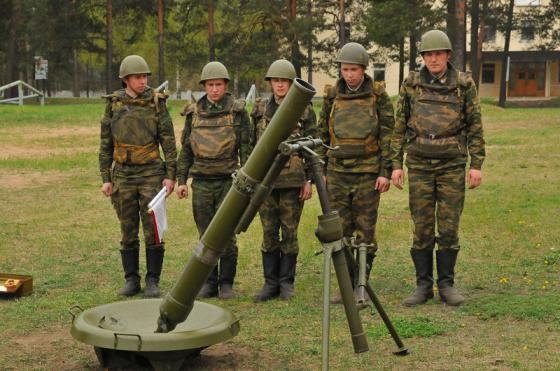 """Российское военные на Алтае получили модернизированные """"Сани"""""""
