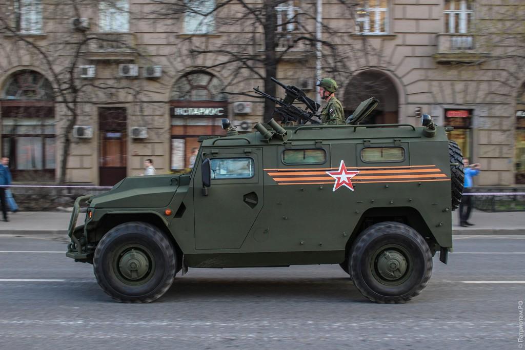Автомобиль ГАЗ-2330 «Тигр» в профиль
