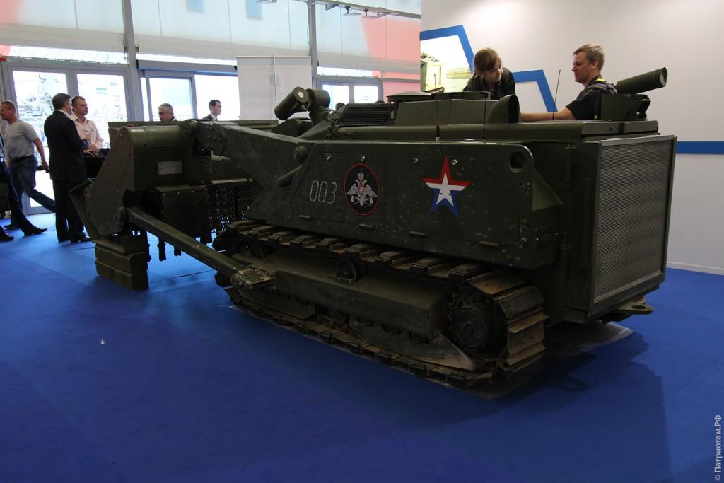 Комплекс «Уран-6» предназначен для инженерной разведки и разминирования местности от противопехотных мин и взрывоопасных предметов до 1 кг в тротиловом эквиваленте вне условий боевых действий в режиме дистанционного управления.