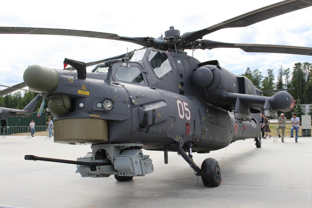"""Длина вертолета """"Ми-28Н"""" - 17,2 м, максимальная скорость - 324 км/ч."""