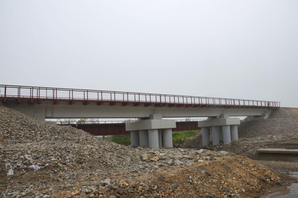 На Сахалине построен новый железнодорожный мост через реку Айдар