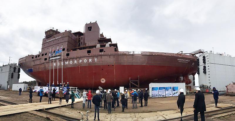 Спущен на воду дизель-электрическтрический ледокол «Новороссийск»