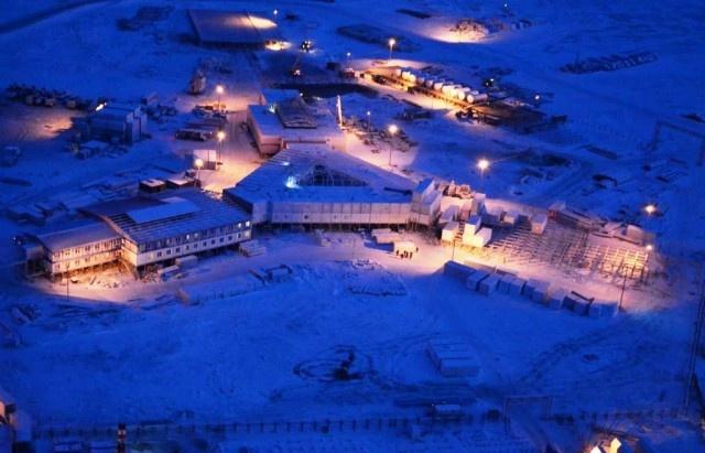 Спецстрой России: около 1,5 тысяч рабочих строят военные объекты в шести точках Арктики