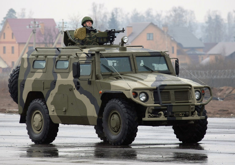 Разведчиков ЦВО пересадили на бронеавтомобили «Тигр»
