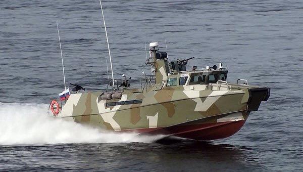 Спущен на воду быстроходный патрульный катер проекта 03160 «Раптор»