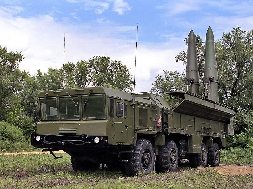Войска Южного военного округа получили бригадный комплект ОТРК «Искандер-М»