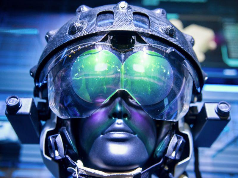 Разработан новый шлем для пилотов ПАК ФА