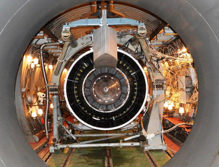 ПД-14 в термобарокамере Научно-испытательного центра ЦИАМ