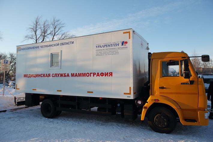 Больницы Челябинской области получили более 70 новых машин
