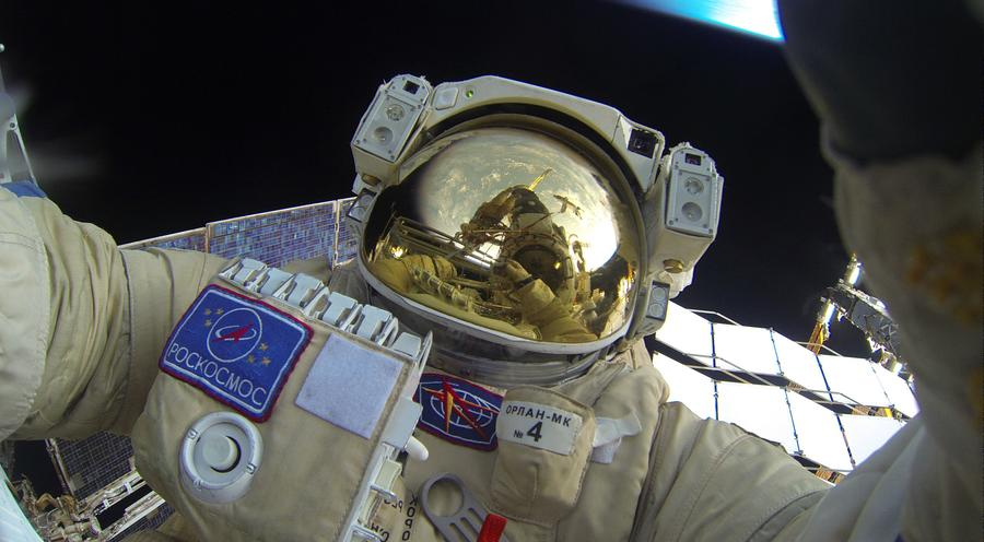 Селфи в открытом космосе
