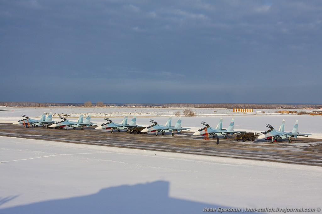 Сразу 6 истребителей Су-30СМ переданы ВКС России