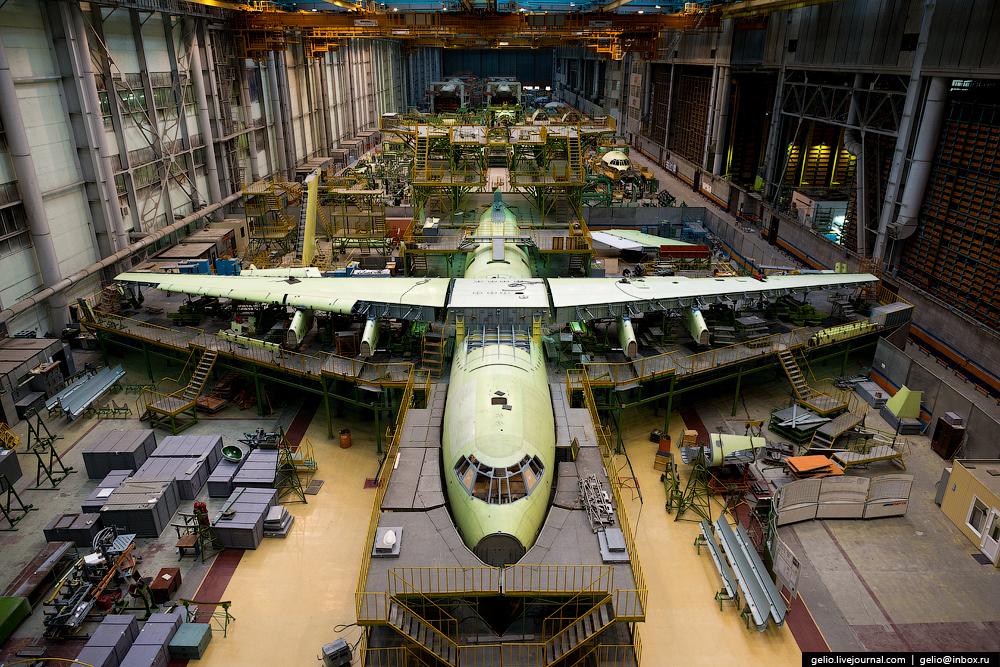 Фоторепортаж: производство самолётов Ил-76 и Ту-204 на заводе «Авиастар-СП»