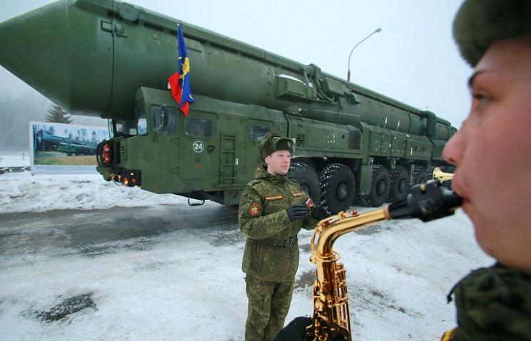 """Ракетные войска стратегического назначения в 2016 году получат 20 баллистических ракет """"Ярс"""""""
