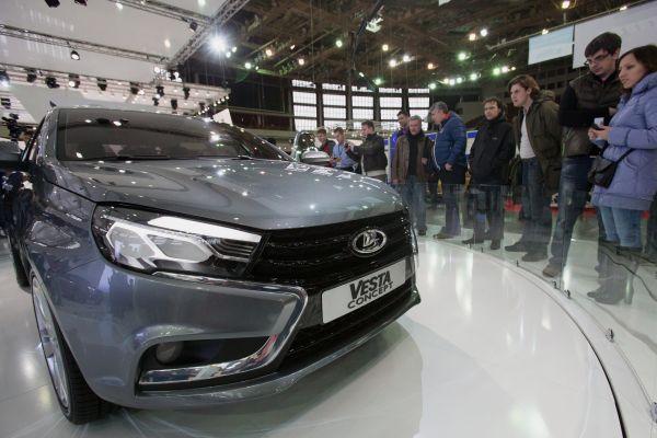 Седан Lada Vesta стал самым популярным в России автомобилем С-класса в феврале