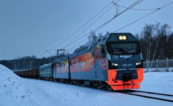 Успешно прошел испытания новый Российский электровоз 2ЭС7