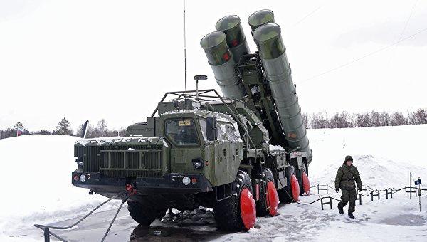 В Новосибирской области зенитные ракетные системы С-400 Триумф сменили системы С-300 ПТ Фаворит