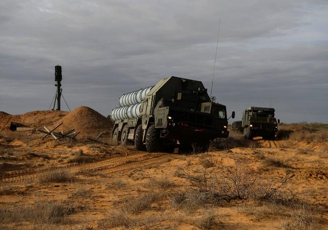 ЗРК С-300ПС и истребители МиГ-31 заступили на боевое дежурство в Астраханской области