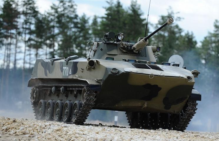Боевые машины десанта БМД-4М и бронетранспортеры БТР-МДМ приняты на вооружение российской армии