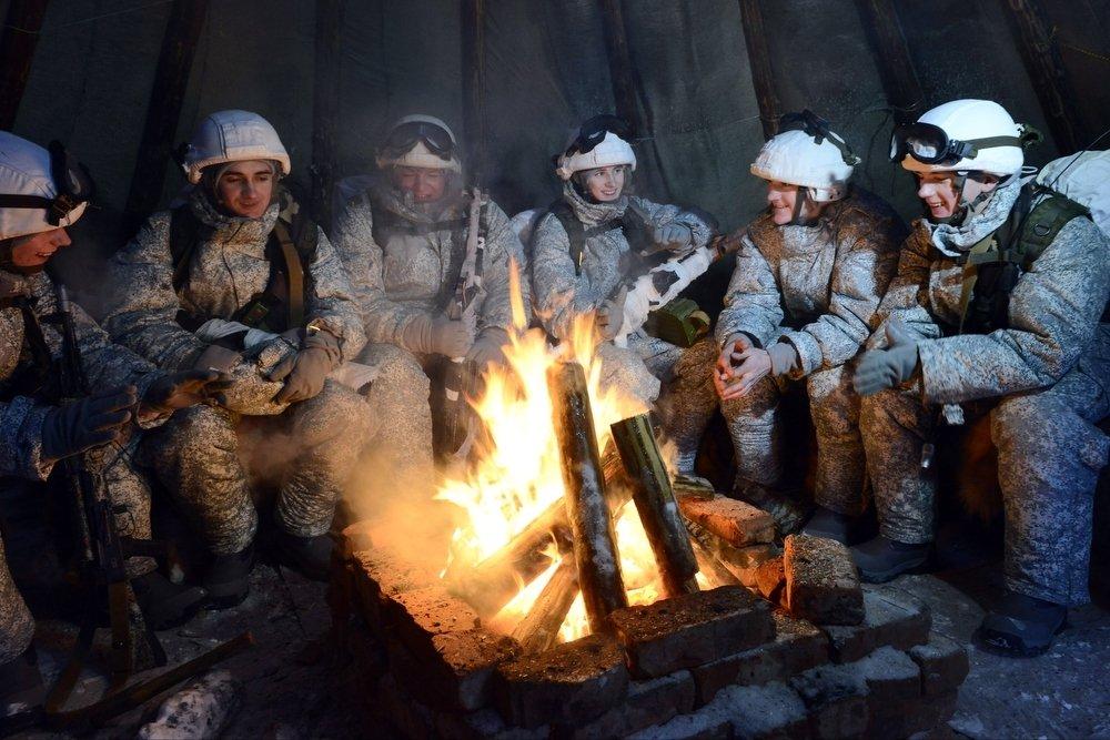 Десантники проведут видеоконференцию с дрейфующей у Северного полюса льдины