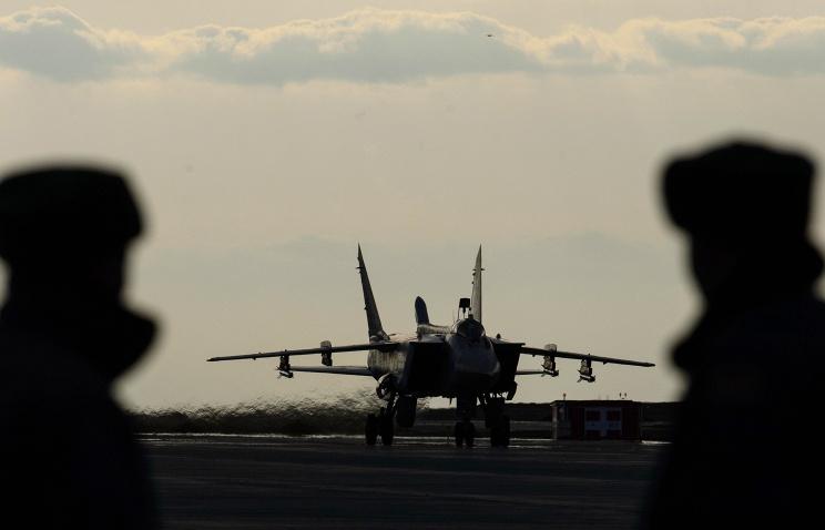 На аэродроме в Арктике разместят звено истребителей