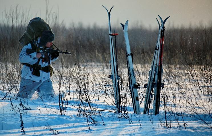 Российские десантники начали пеший марш к Северному полюсу