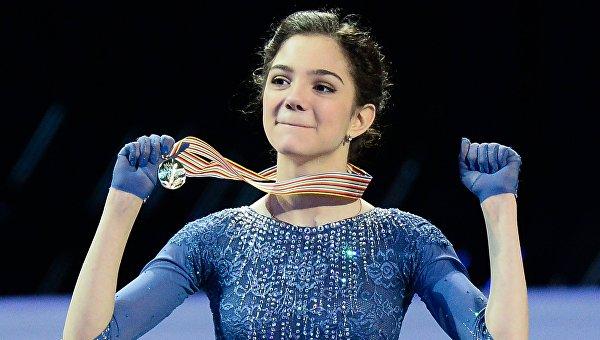 Россиянка Евгения Медведева выиграла золото ЧМ по фигурному катанию