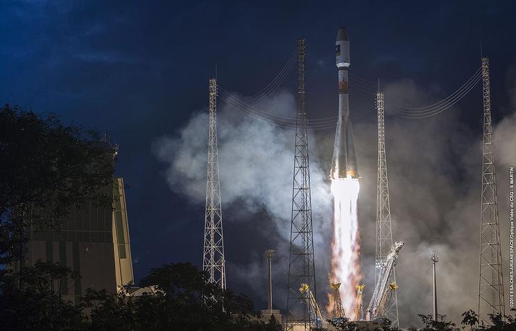 """Ракета-носитель """"Союз"""" со спутниками для навигационной системы Galileo успешно стартовала с космодрома Куру"""