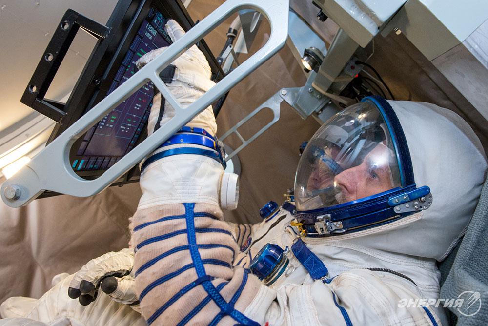 Специалисты РКК Энергия провели первые испытания элементов человеко-машинного интерфейса для пилотируемого космического корабля Федерация