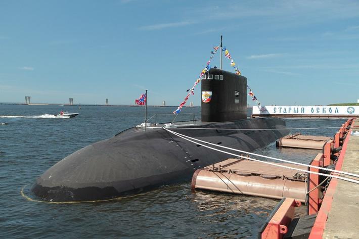 В Баренцевом море подлодкой «Старый Оскол» произведен пуск ракет «Калибр»