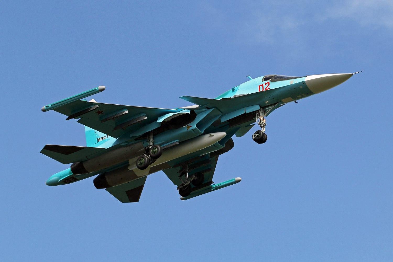 В Восточный военный округ поступили первые четыре фронтовые бомбардировщики Су-34