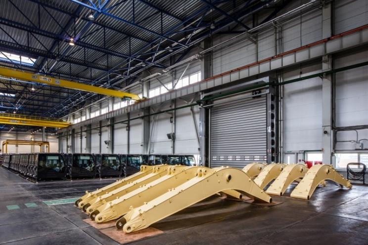 Завод Hitachi в России запустил новый цех и начал экспорт экскаваторных стрел в Европу