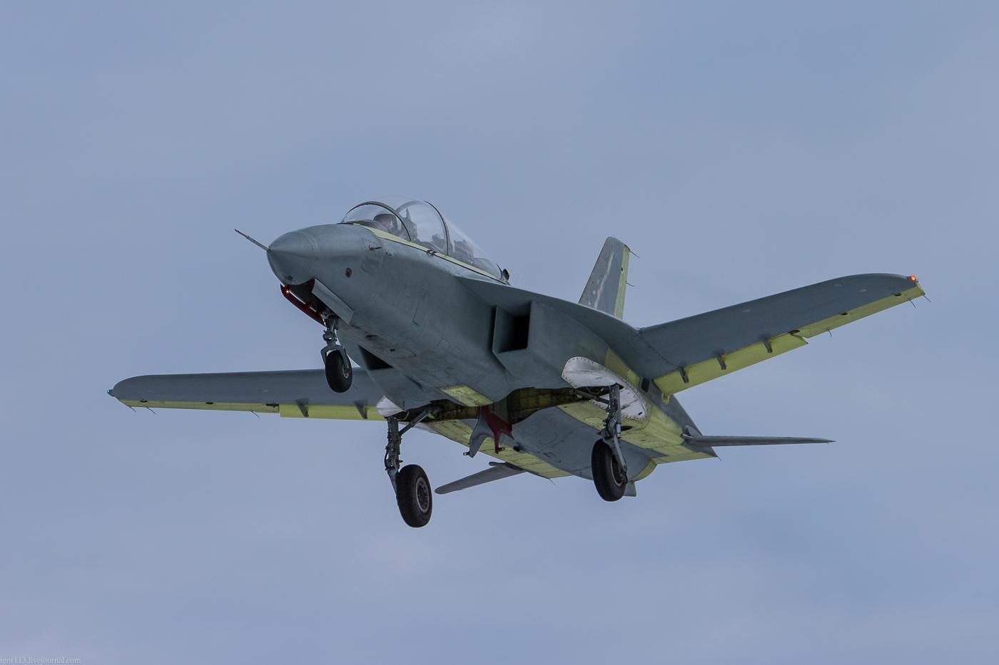 На авиабазе в Кубинке начались испытания уникального учебного самолета СР-10