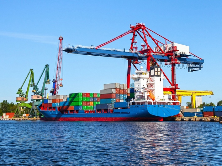 Грузооборот морских портов России за январь-май 2016 года составил 286,3 млн тонн, что на 5,9% превышает показатель аналогичного периода прошлого года.