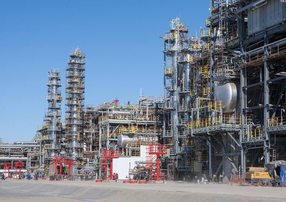 Крупнейший в России комплекс глубокой переработки нефти открылся в Волгограде