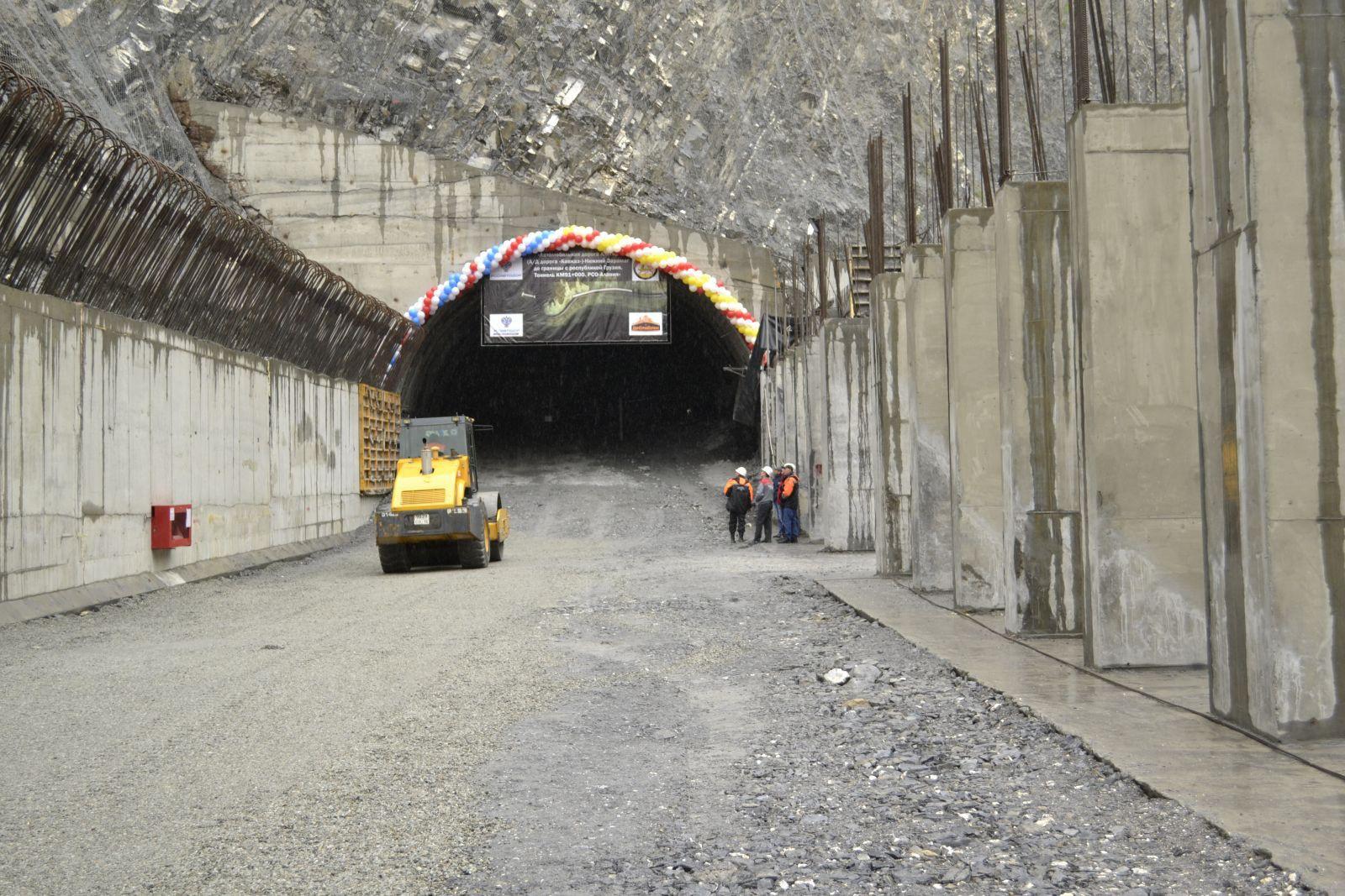 На Транскаме соединили северный и южный порталы нового тоннеля