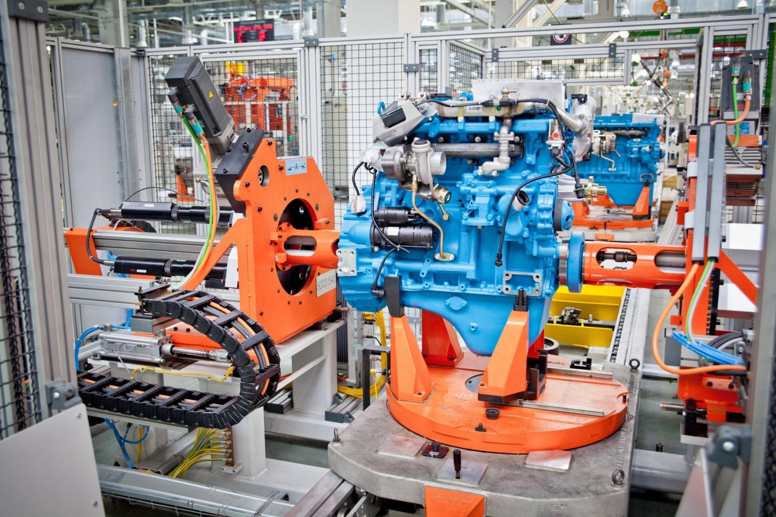 На конвейере Ярославского моторного завода выпустили 25-тысячный двигатель нового поколения ЯМЗ-530 отвечающий стандартам «Евро-5»